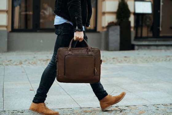 Dark brown shoulder laptop bag Solier S19