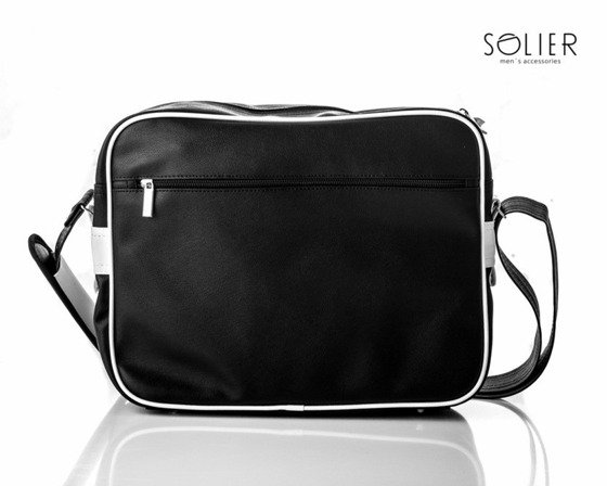 Teenage messenger bag by Solier
