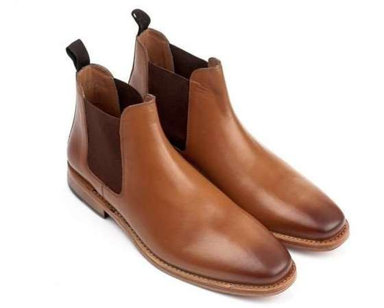 Classic leather Chelsea boots goodyear welted light brown