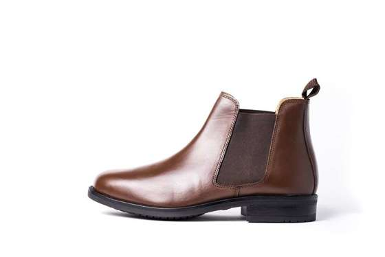 Classic men's leather Chelsea boots brown
