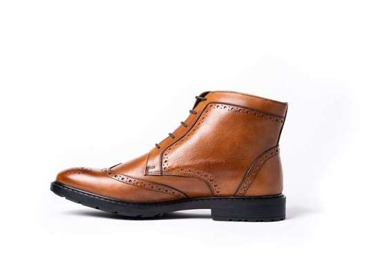 Men's leather brogue boots brown